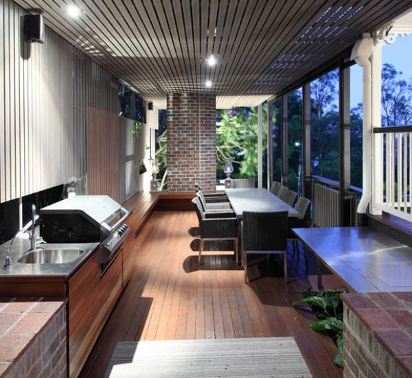 St Lucia Queenslander Outdoor Living